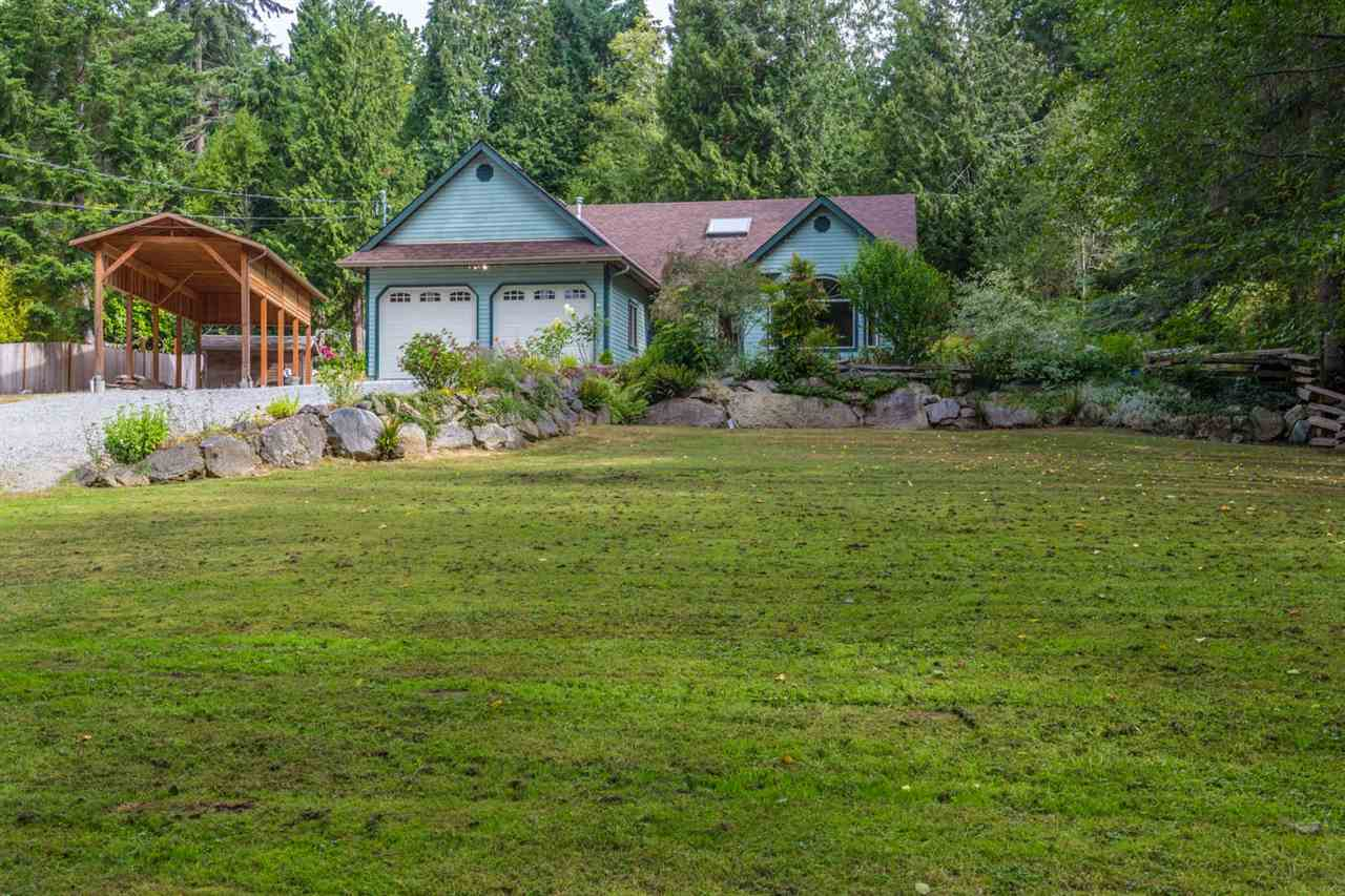 1116 ROBERTS CREEK ROAD, Roberts Creek, BC V0N 2W0