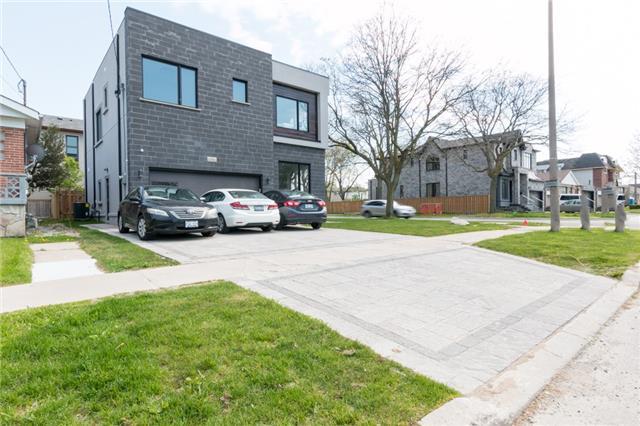 55 Alexis Blvd, Toronto, ON M3H 2P5