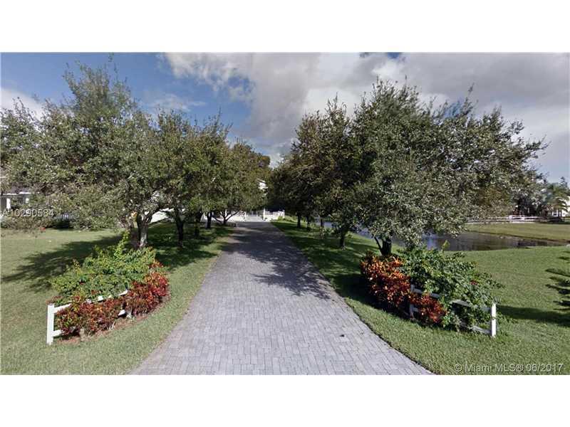 20107 SW 54th Pl, Pembroke Pines, FL 33332