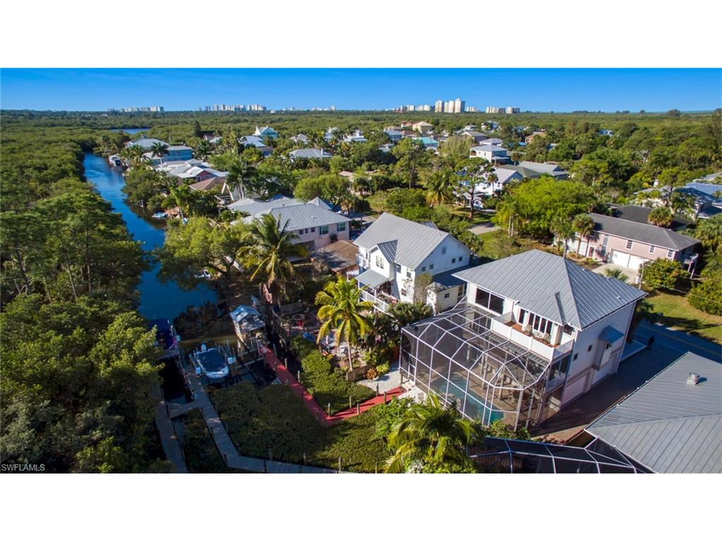 1316 Grand Canal DR, NAPLES, FL 34110