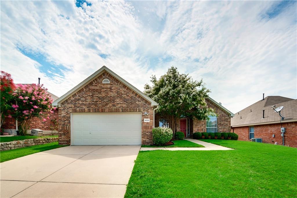 4528 Clear Lake Lane, Mesquite, TX 75150