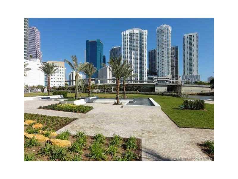 90 SW 3rd ST 4305, Miami, FL 33130