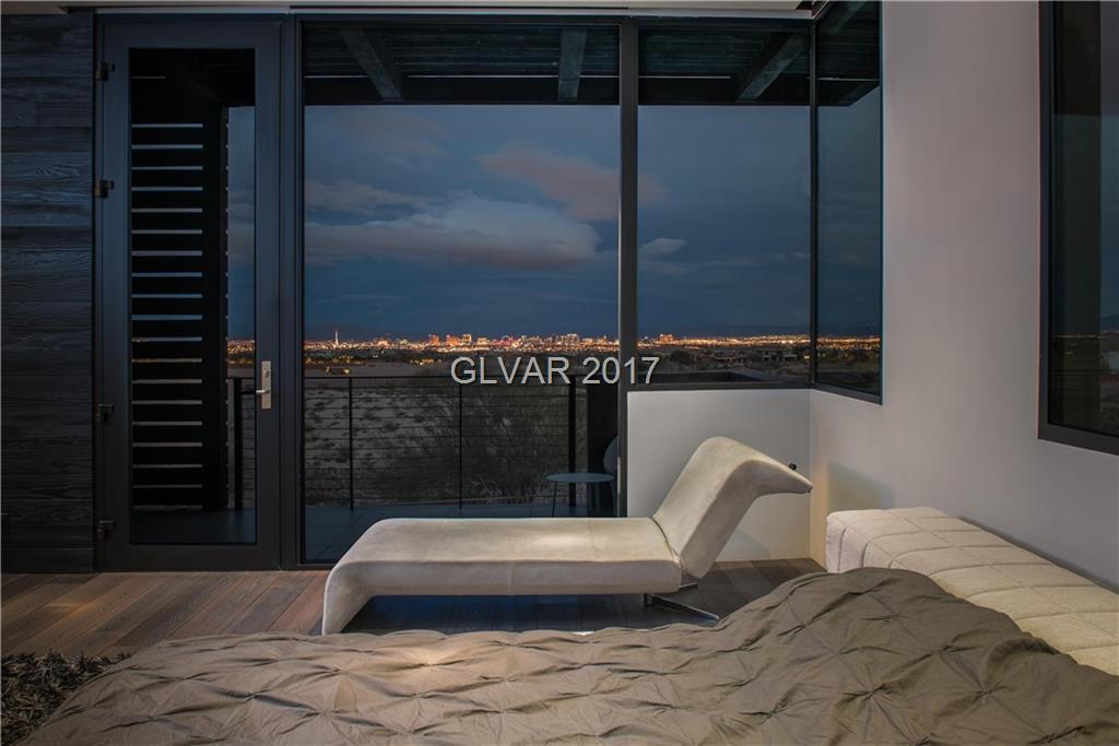 76 SUN GLOW Lane, Las Vegas, NV 89135