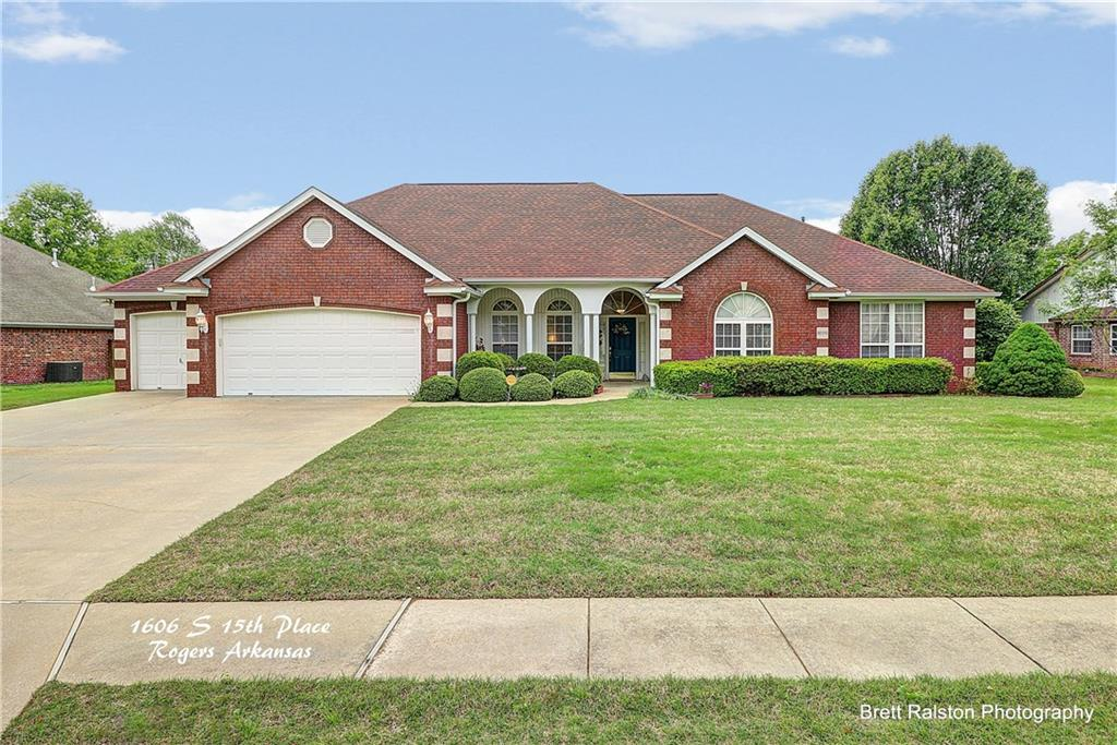 1606 S 15th PL, Rogers, AR 72758