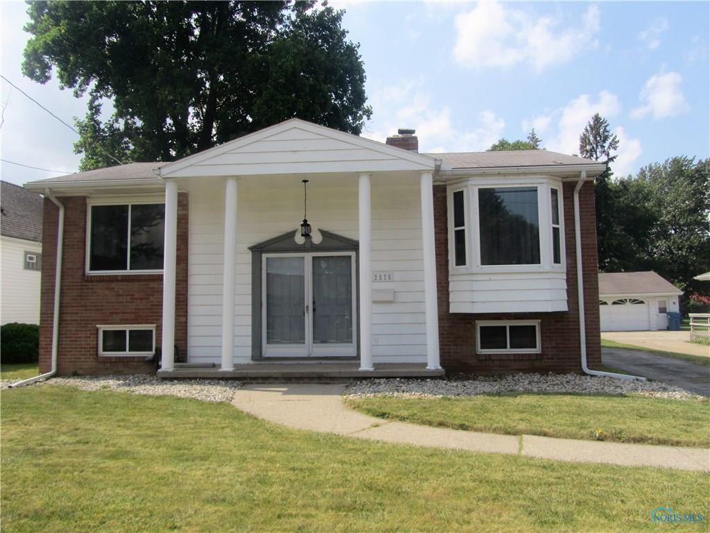 2575 Shoreland Avenue, Toledo, OH 43611