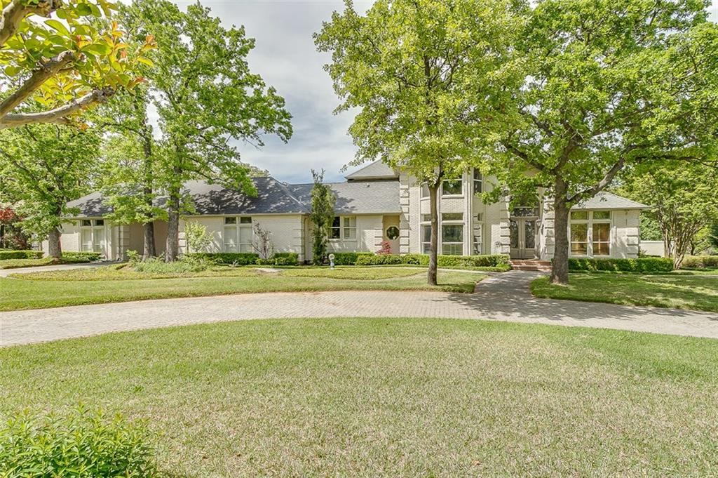 8 Woodland Drive, Mansfield, TX 76063
