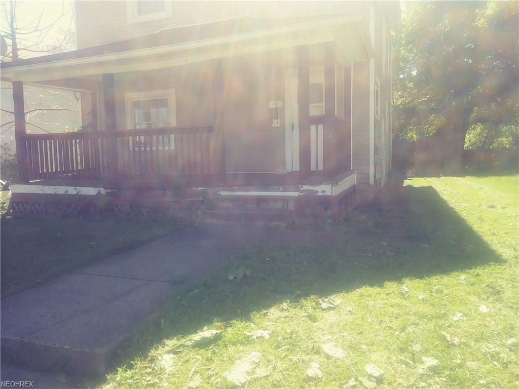 64 Poland Ave, Struthers, OH 44471