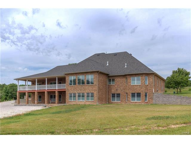 2290 Young Road, Pacific, MO 63069