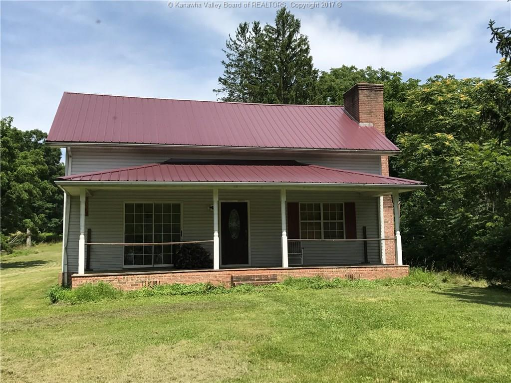 3025 HANSFORD FORK Road, Clay, WV 25043