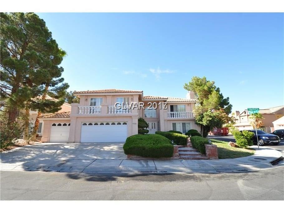 9304 ANGELFISH Drive, Las Vegas, NV 89117