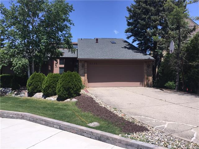 6366 LAKEVIEW Court, West Bloomfield Twp, MI 48323