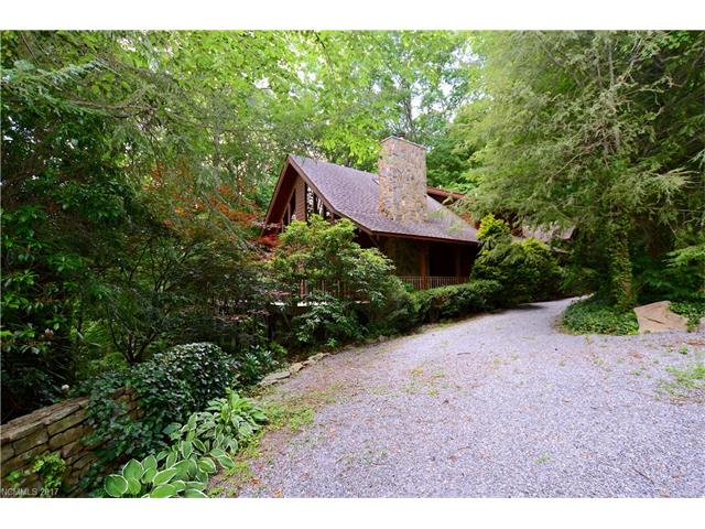 89 Red Oak Drive, Maggie Valley, NC 28751