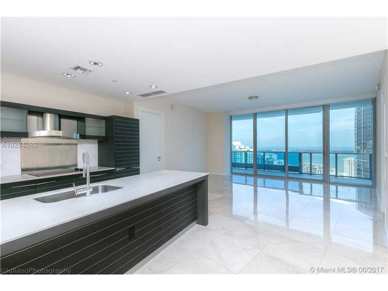 200 Biscayne Blvd Way 4607, Miami, FL 33131