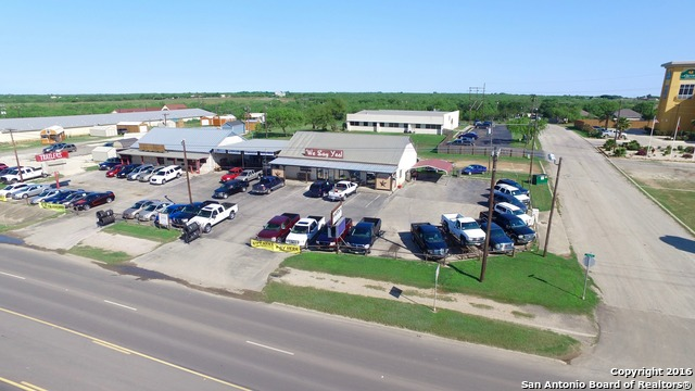 1750 E State Highway 97, Jourdanton, TX 78026