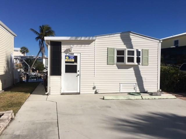 1099 Nettles Blvd, Jensen Beach, FL 34957