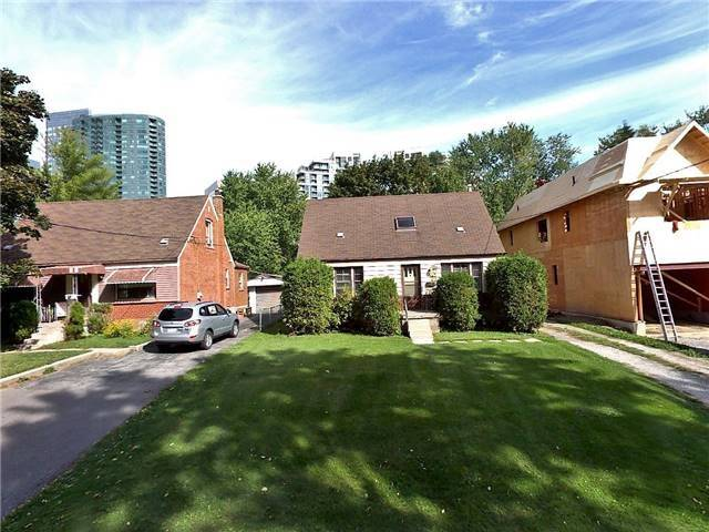 7 Elmview Ave, Toronto, ON M2N 2S5