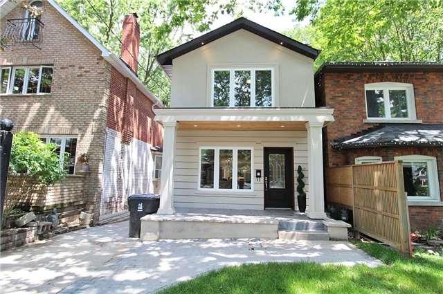 17 Highcroft Rd, Toronto, ON M4L 3G3