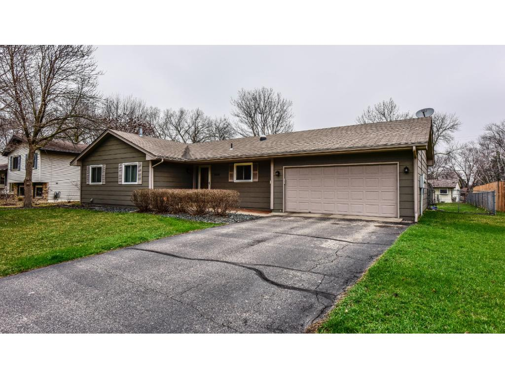 2212 E 115th Street, Burnsville, MN 55337