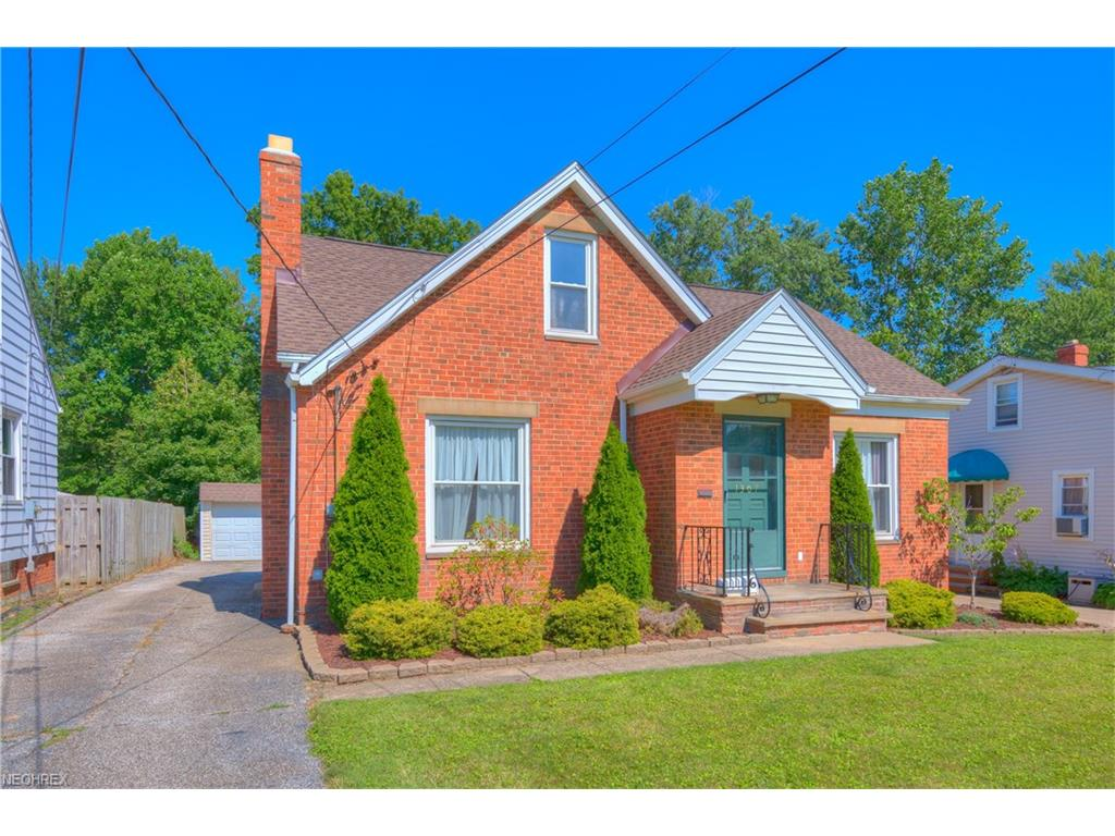 1307 Lander Rd, Mayfield Heights, OH 44124