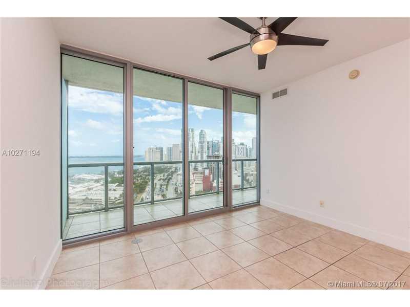 888 Biscayne Blvd 2905, Miami, FL 33132