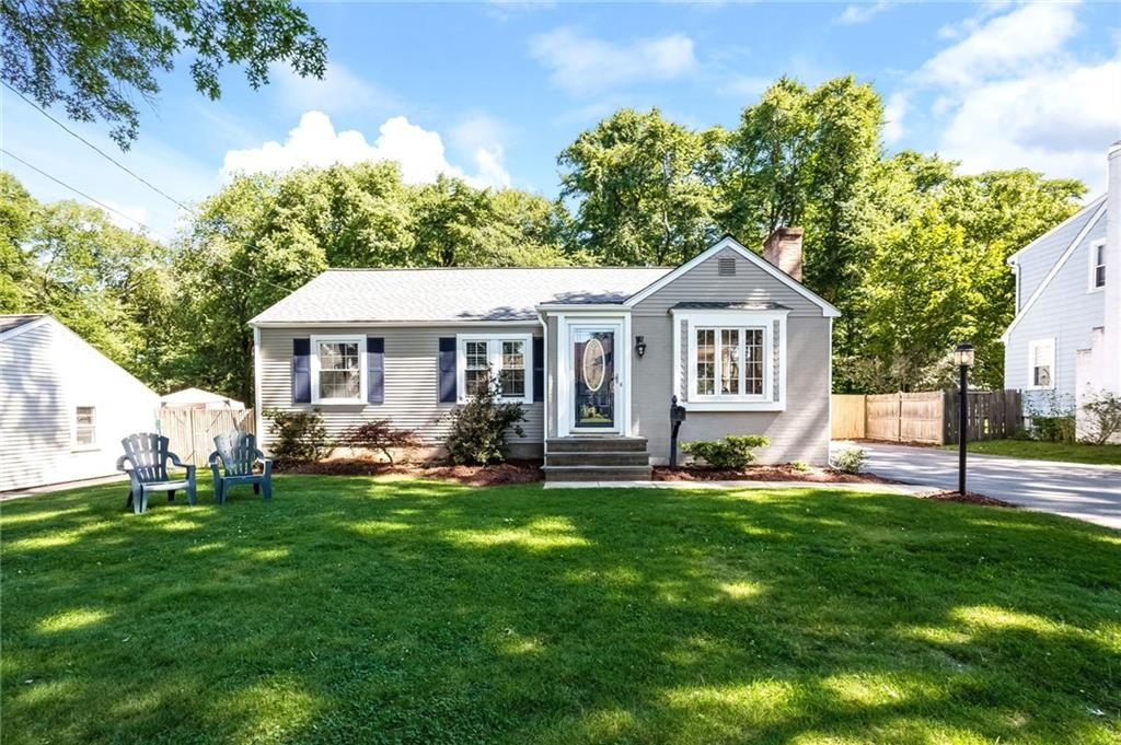 7 Milton RD, Barrington, RI 02806