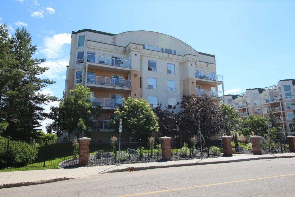 7951 96 Street 402, Edmonton, AB T6C 4R1