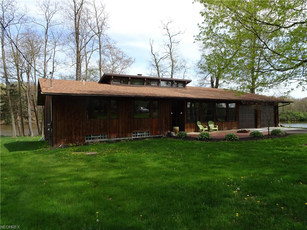1327 Pleasant Valley Rd, Niles, OH 44446