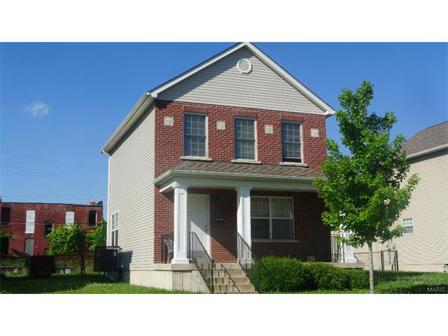 4040 Lincoln, St Louis, MO 63113