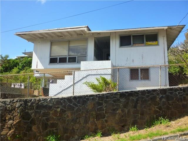 1510 Mawae Place, Honolulu, HI 96817
