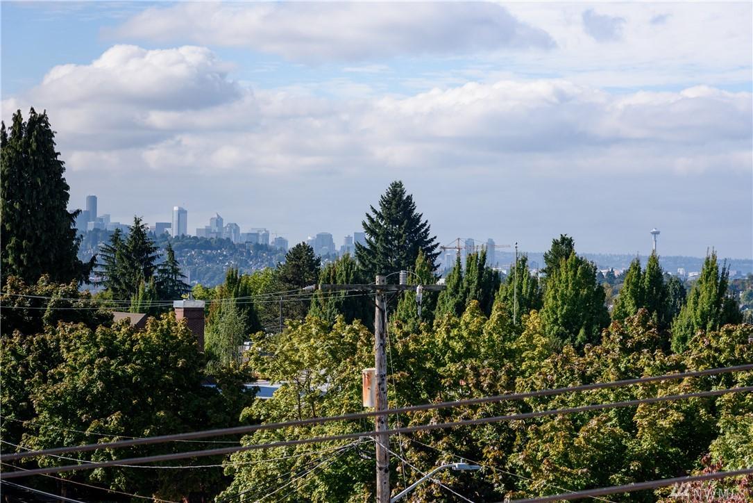 3300 NE 65th St 25, Seattle, WA 98115