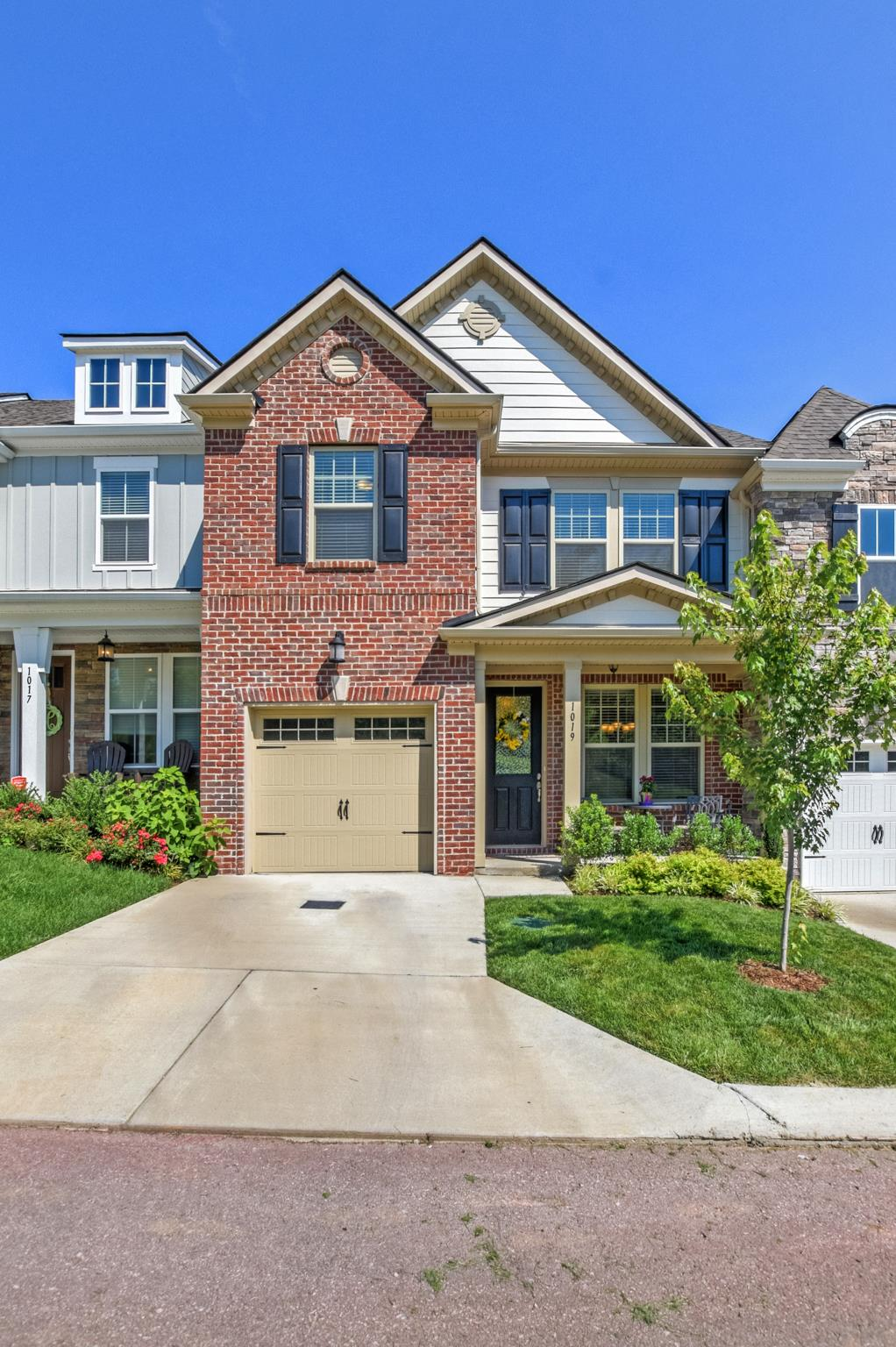 1019 Livingstone Ln, Mount Juliet, TN 37122