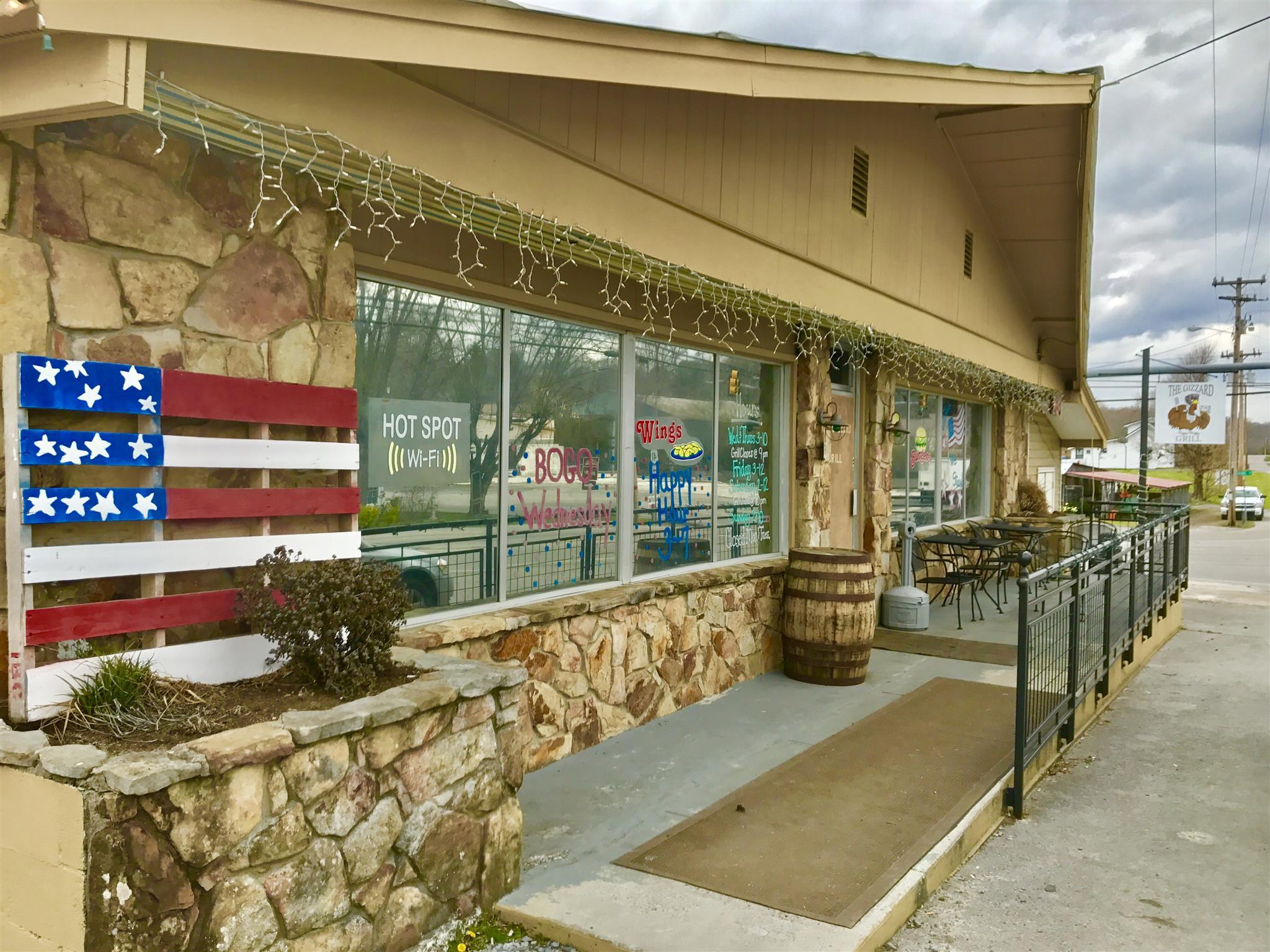 24 Main St, Tracy City, TN 37387