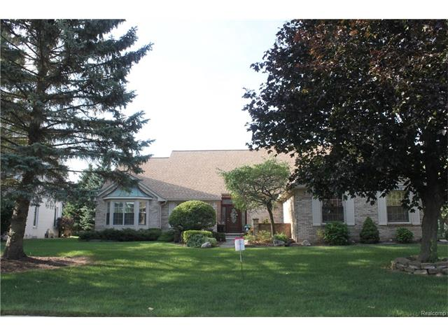 1256 COUNTRY Drive, Troy, MI 48098