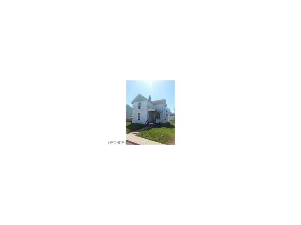 1653 Spring St, Coshocton, OH 43812