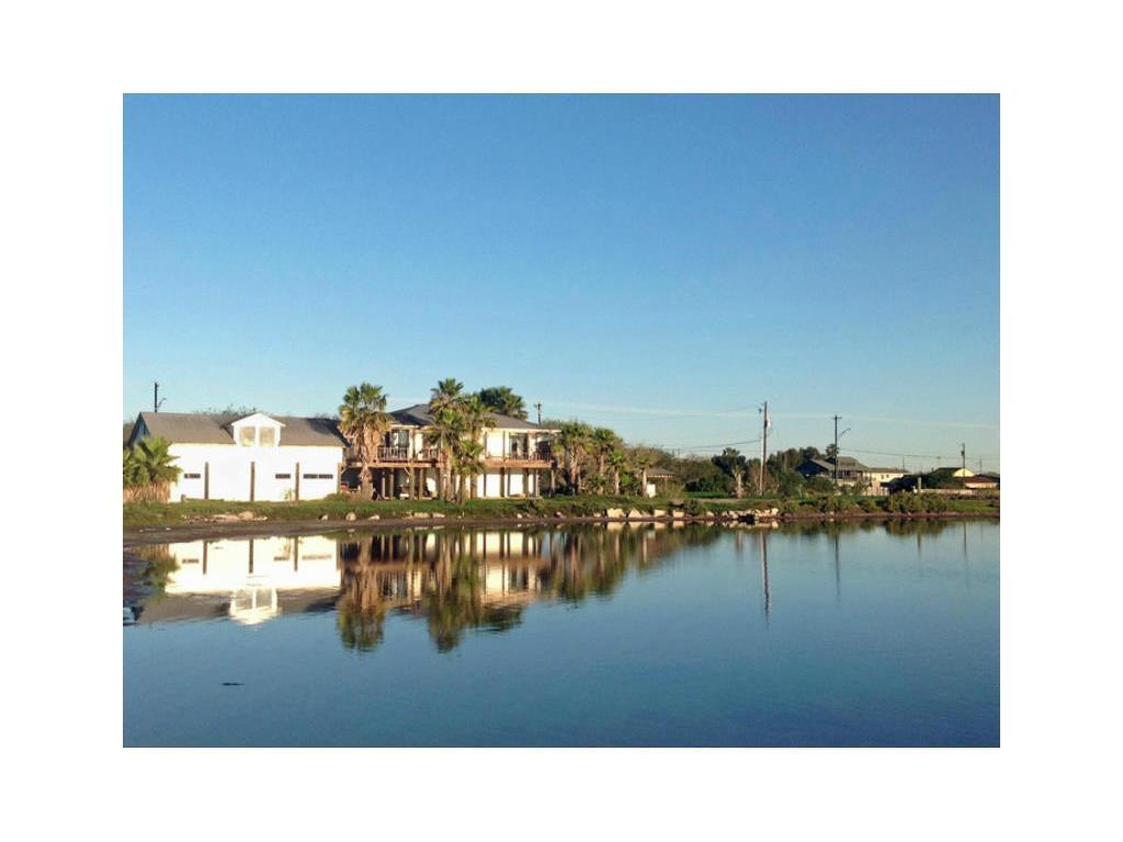 2141 LAGUNA SHORES, Corpus Christi, TX 78418