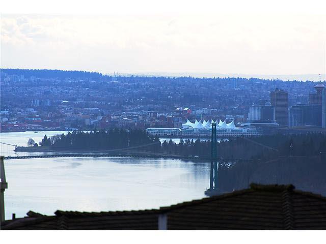 2453 FOLKESTONE WAY, West Vancouver, BC V7S 3J1