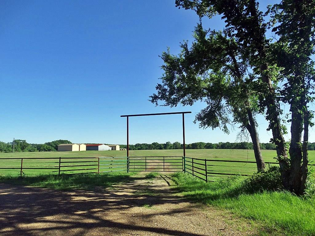 10301 County Road 1122, Athens, TX 75751