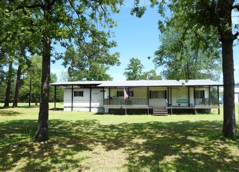 784 CR 439E, Bronson, TX 75930