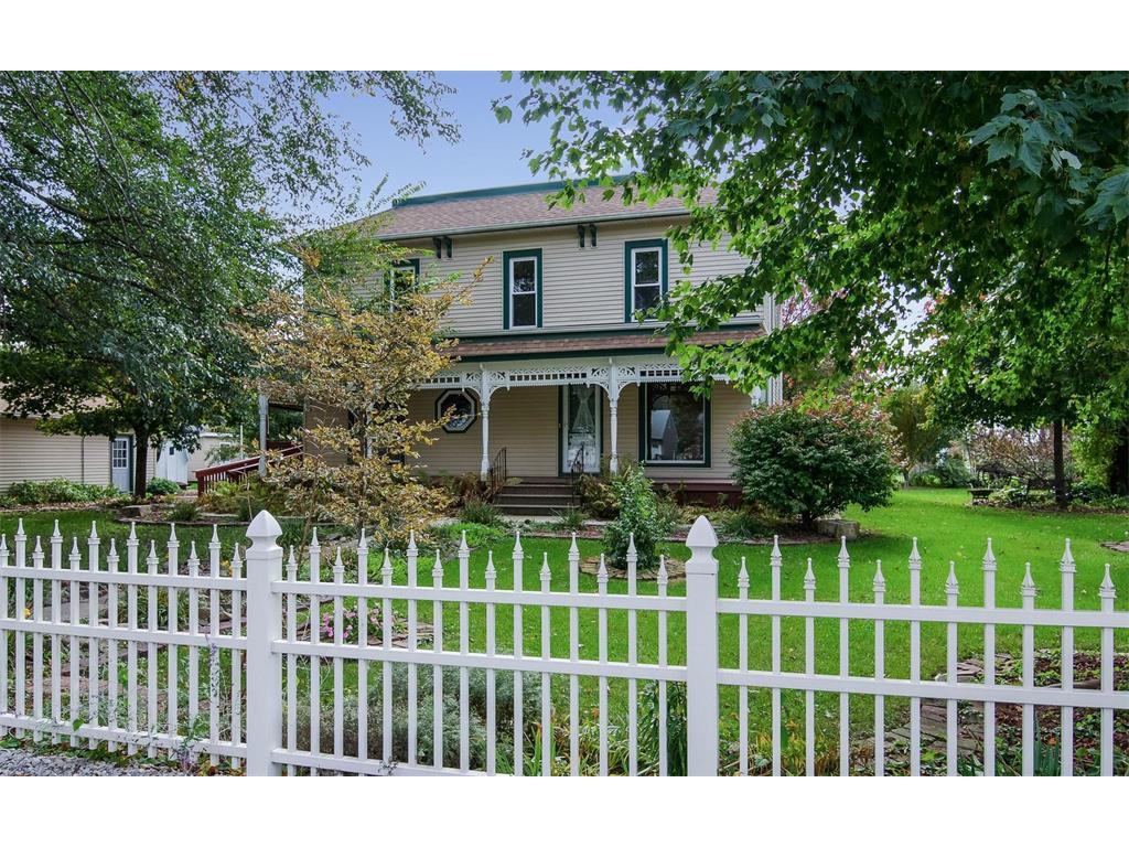 422 Adams Street, Marengo, IA 52301