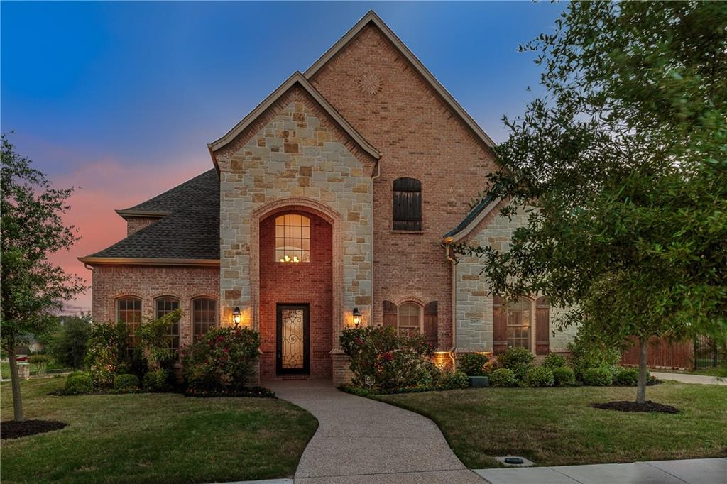 2007 Royal Crest Drive, Mansfield, TX 76063