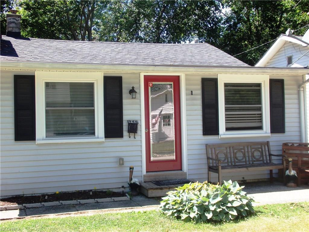 946 Peach Blvd, Willoughby, OH 44094