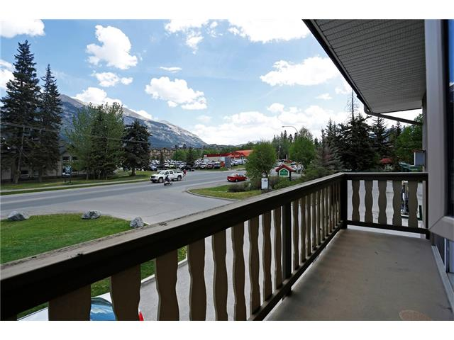 512 Bow Valley Trail 208, Canmore, AB T1W 1N9