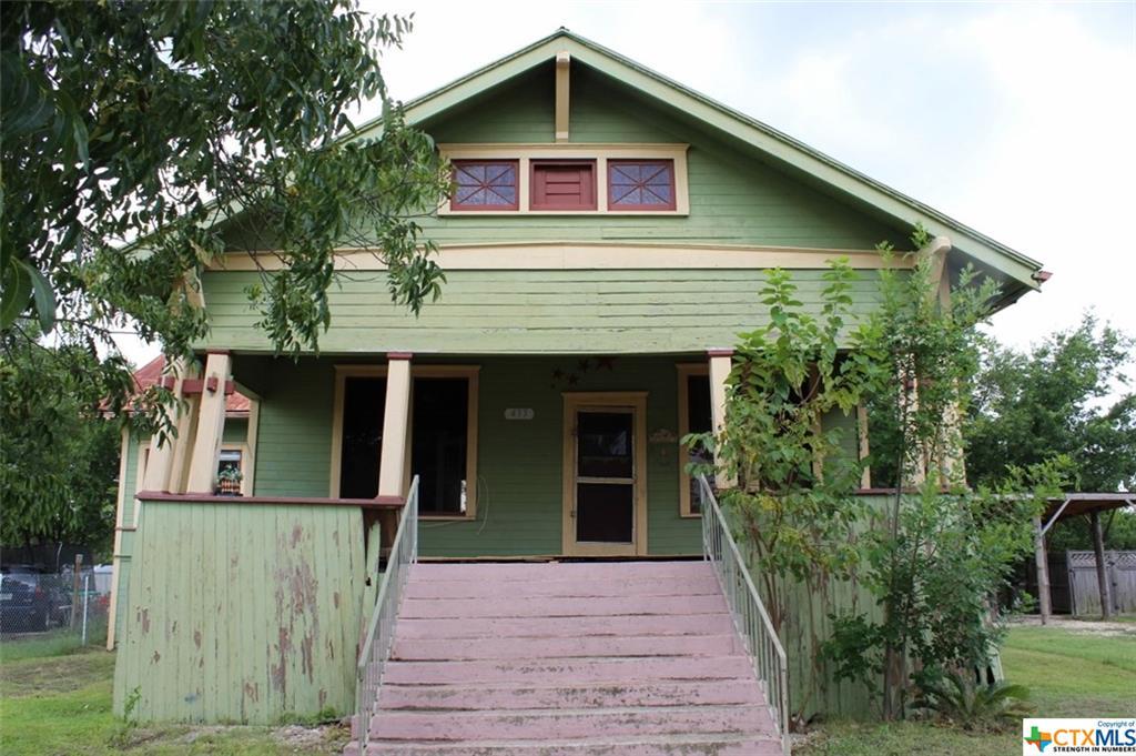 433 E Davilla Street, Bartlett, TX 76511