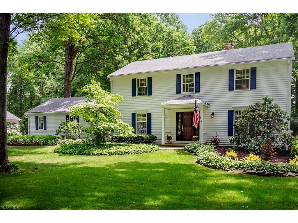 124 Countryside Dr, Chagrin Falls, OH 44022