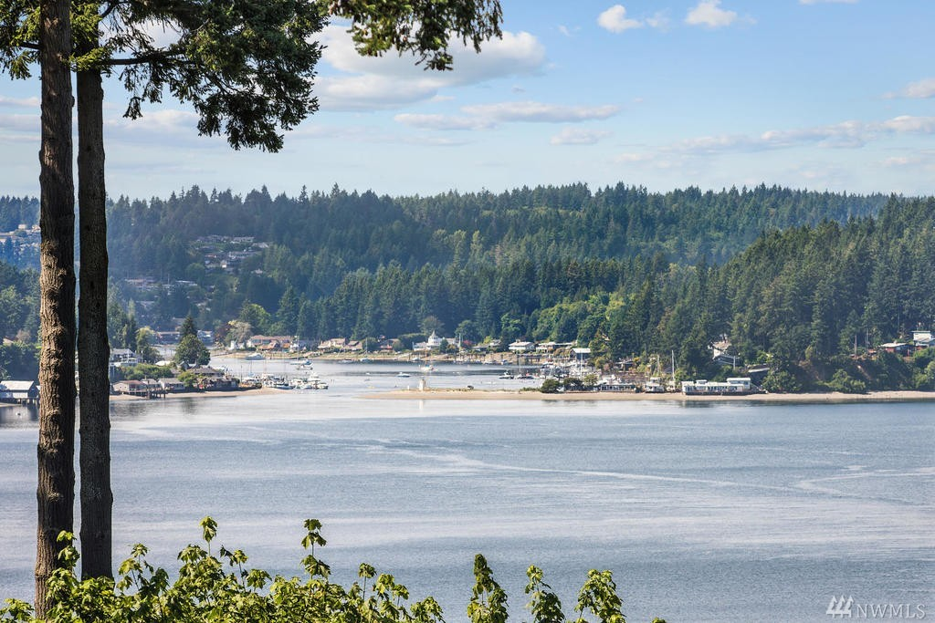 4621 Holly Lane NW, Gig Harbor, WA 98335