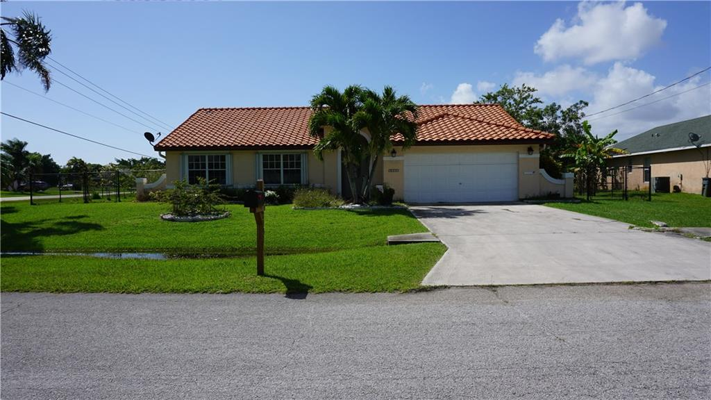 2593 SE Lyman Circle, Port Saint Lucie, FL 34952