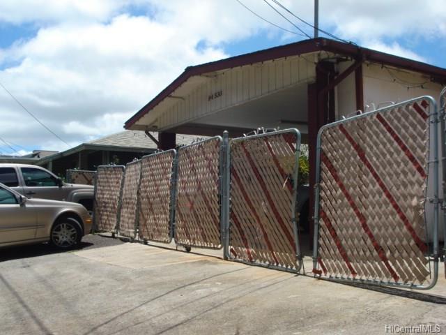 94-536 Farrington Highway, Waipahu, HI 96797