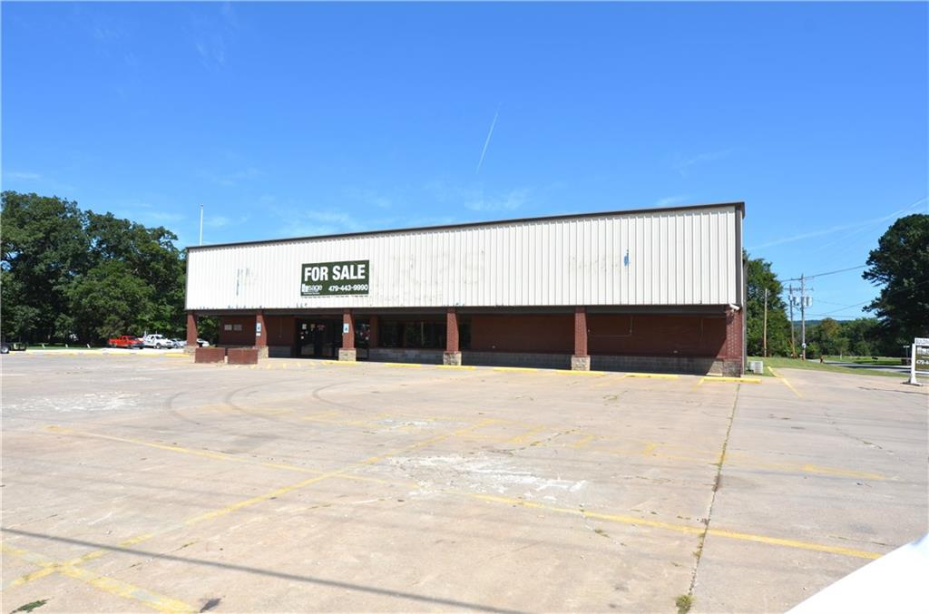 110 N Center ST, Elkins, AR 72727