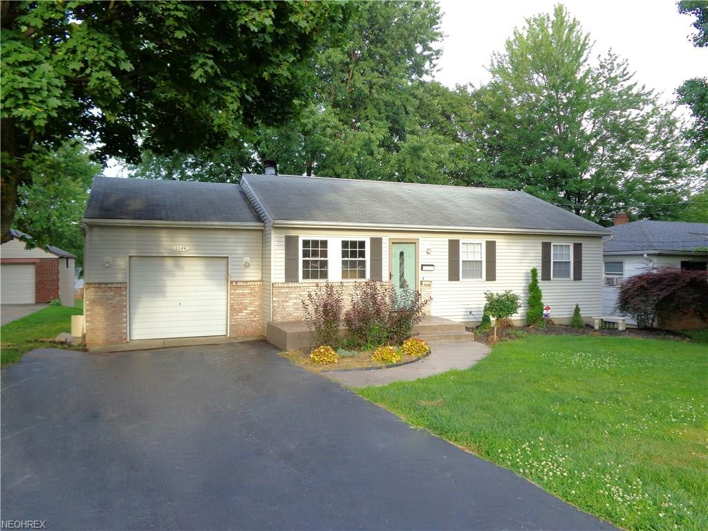 1144 5th St, Struthers, OH 44471