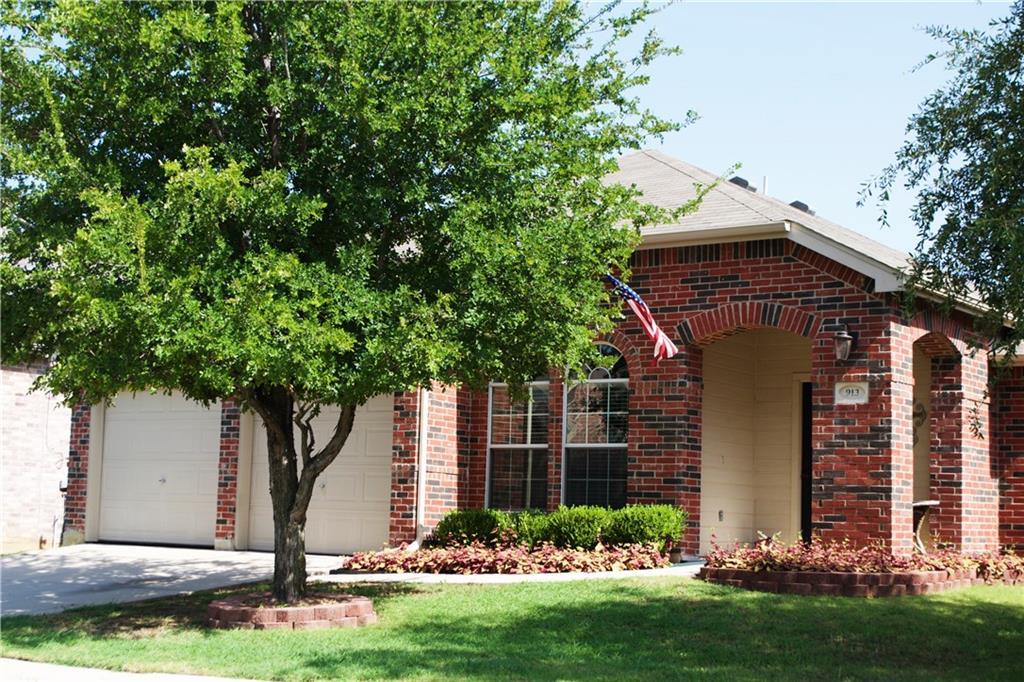 913 Swift Drive, Aubrey, TX 76227
